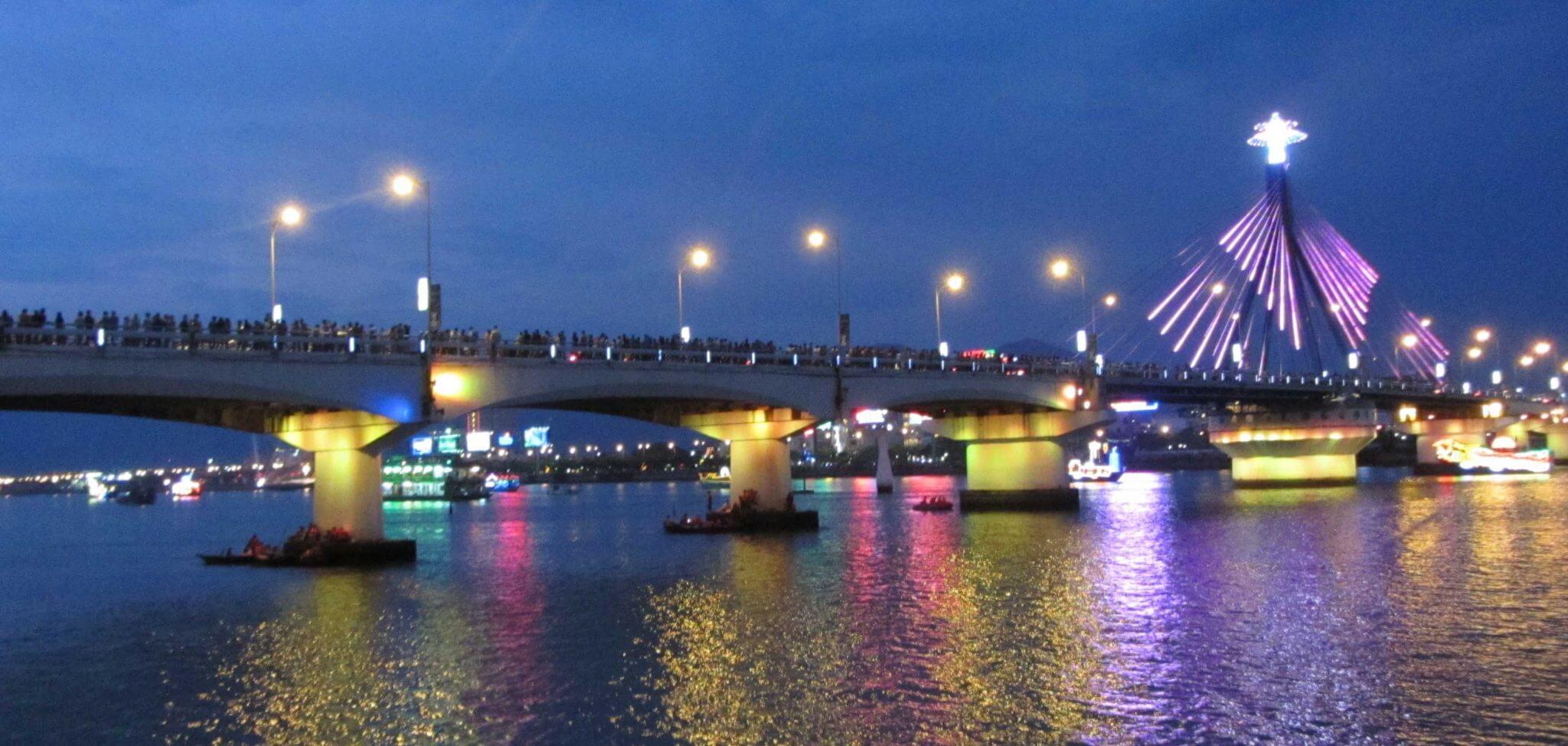 Chú trọng đầu tư hạ tầng,Đà Nẵng ngày càng thu hút du khách - Ảnh 1